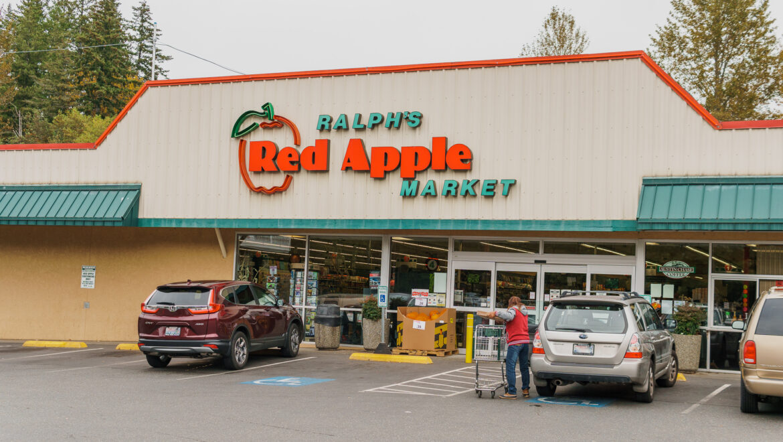 Ralph's Red Apple
