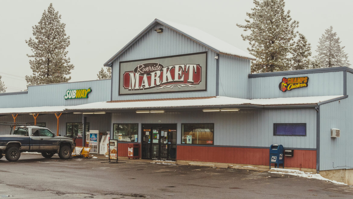 Riverside Centerplace Market